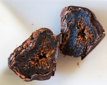 Willabrand Chocolate Enrobed Figs