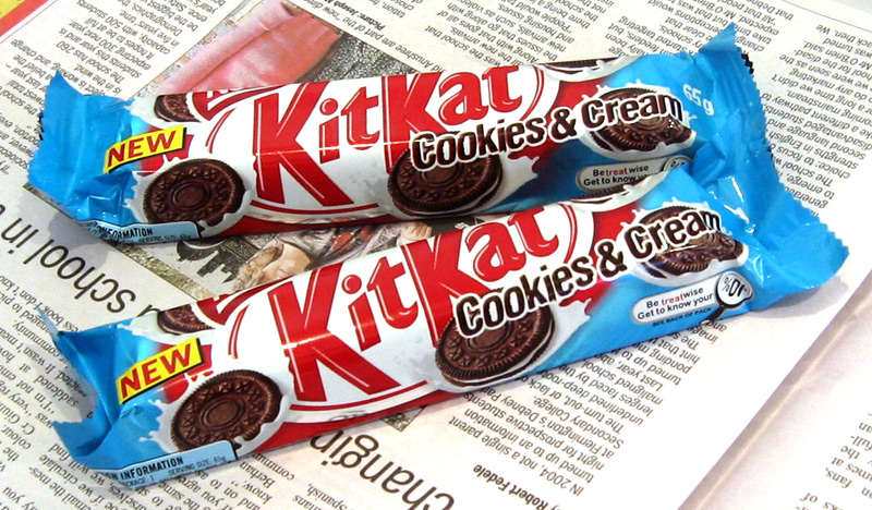 KitKat Chunky Cookies & Cream Chocolate Review
