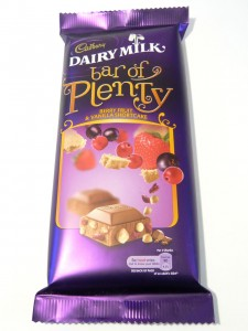 Cadbury Dairy Milk Bar of Plenty Berry Fruit & Vanilla Shortcake