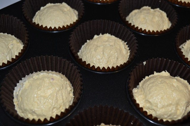 White Chocolate & Mango Cupcake Recipe