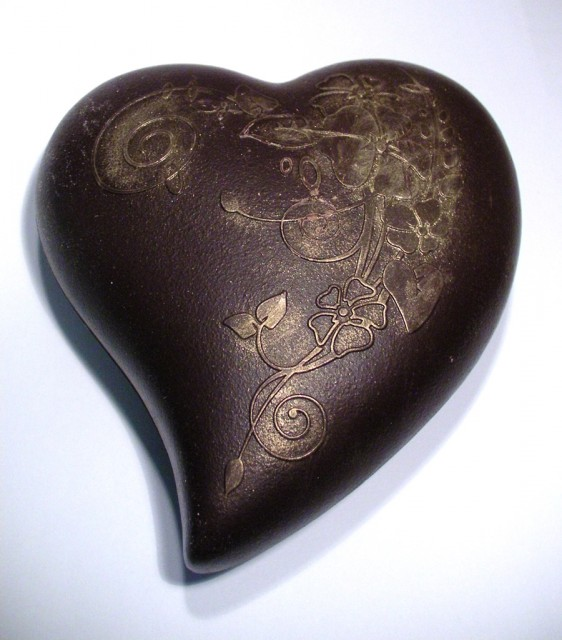 Betty's Swiss Dark Chocolate Heart With Champagne Truffles
