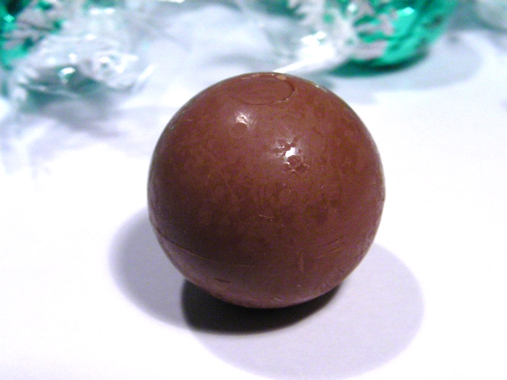 Lindt Lindor Coconut Chocolate Review