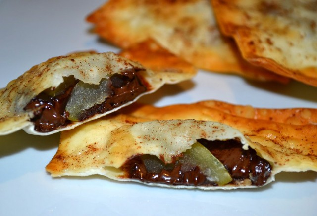 Chocolate And Apple Wonton Parcels Recipe - Chocablog