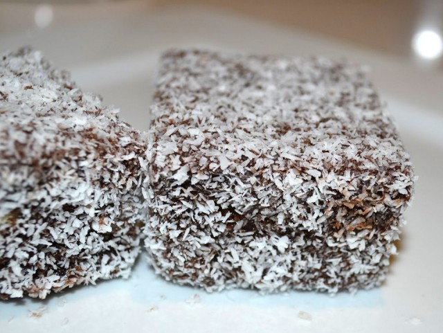 Chocolate Lamgintons