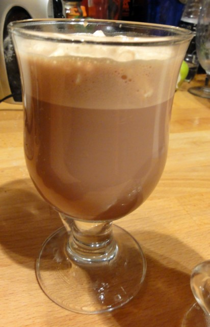 Jaz 'n' Jul's Perfectly Simple Hot Chocolate