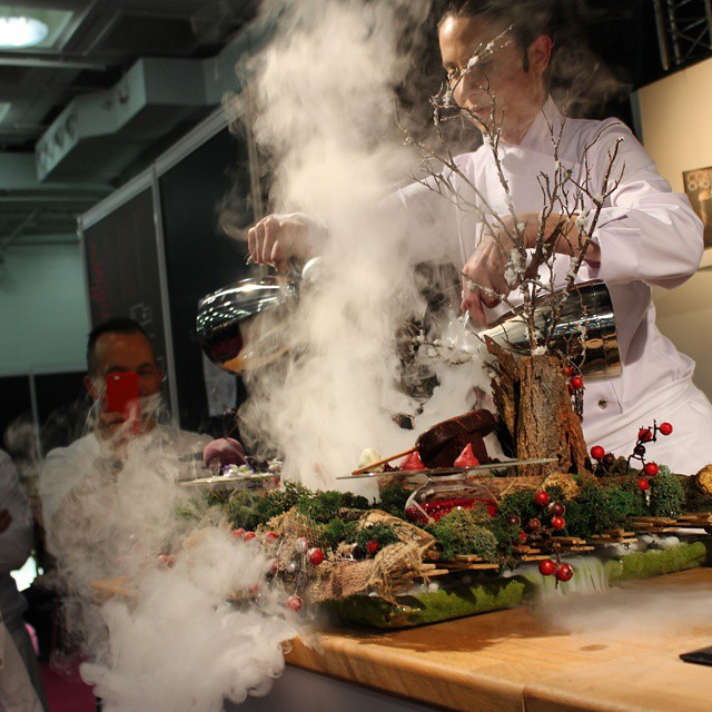 Stunning demo by Sarah Barber at #TheChocolateShow. Autumnal scene with dry ice.