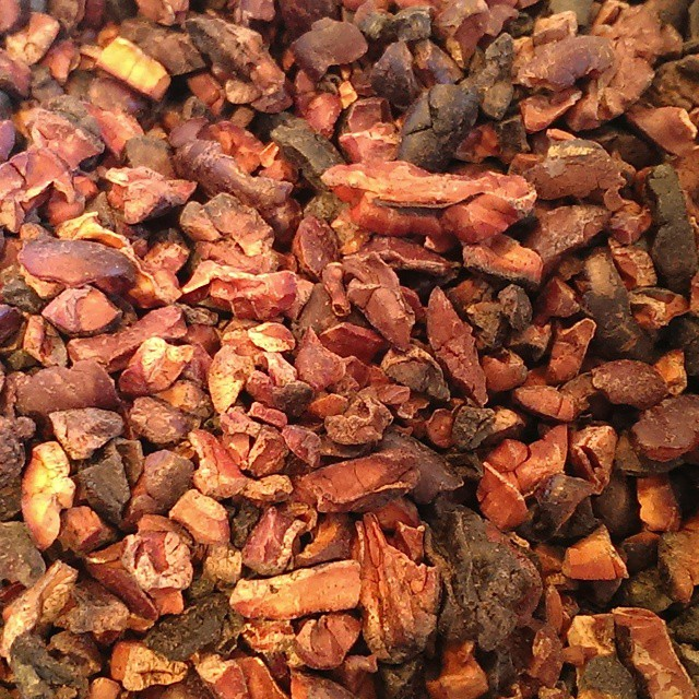 We bought these nibs from the Crayfish Bay in Grenada. They're pan roasted over an open fire and quite burned... But I'm going to make chocolate from them anyway! #grenadacocoa