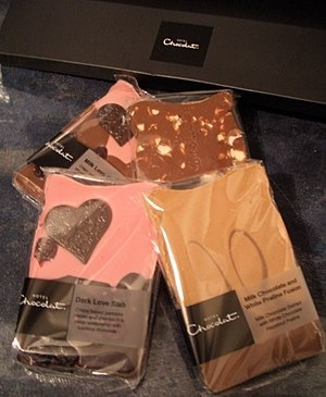 Hotel Chocolat Love Selection Peepster Box