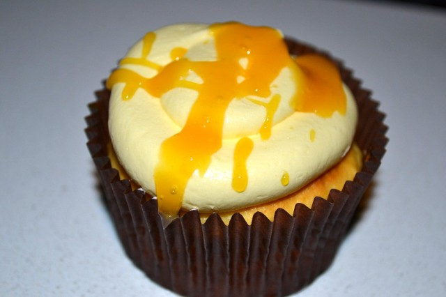 White Chocolate & Mango Cupcake