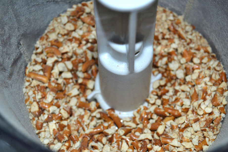 Peanut Butter, Pretzel & Chocolate Slice