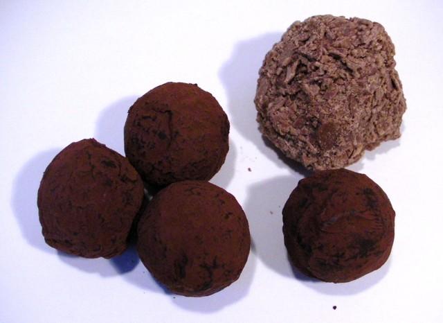 James Chocolate Caramel Tasting Box