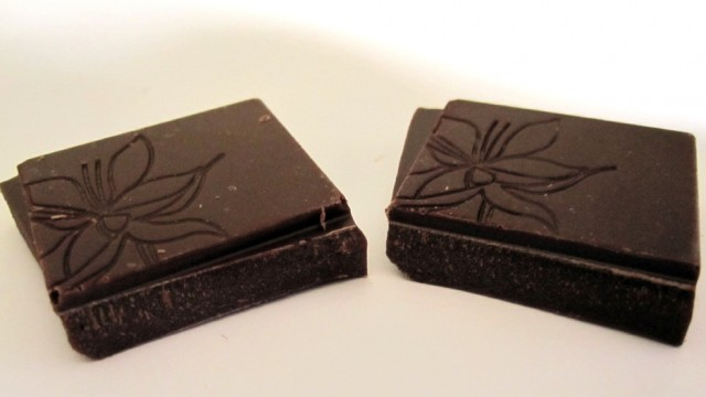 The Chocolate Tree Madagascar Duo - Detail