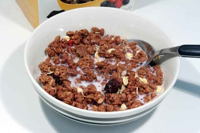 Yoosli Chocolate & Berry Clusters